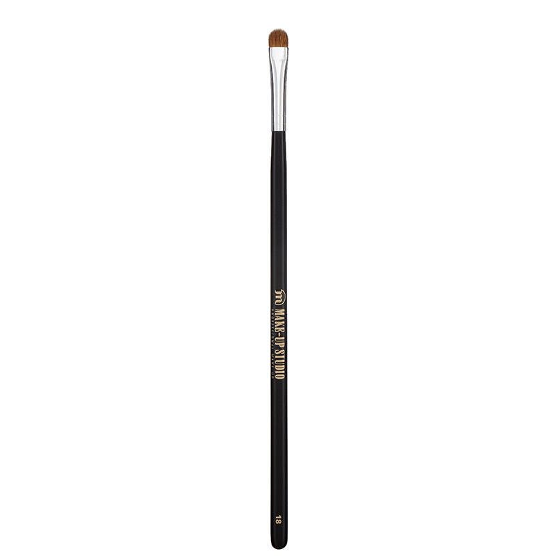 MAKE-UP STUDIO - PRO ECSET: NO. 18. EYESHADOW BRUSH SHORT FLAT - RÖVID, LAPOS SZEMHÉJECSET